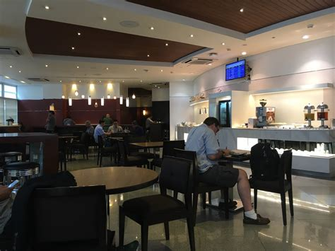 MNL: Philippine Airlines Mabuhay Lounge Reviews & Photos