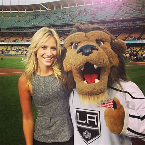 30 Pictures of Sports Reporter Kristine Leahy   Peanut