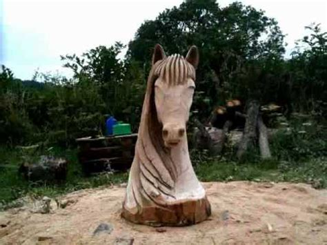 chainsaw carving horse head (oak) time lapse video - YouTube